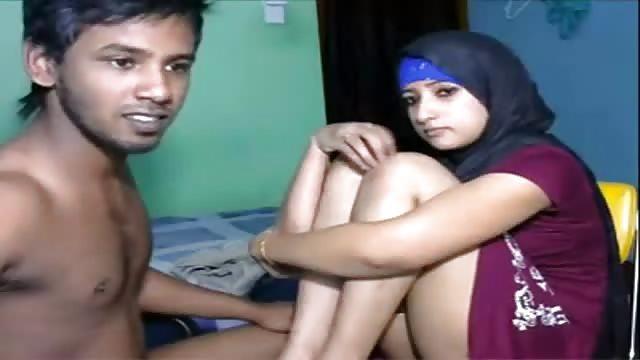 Sexy couples having sex sucking tits
