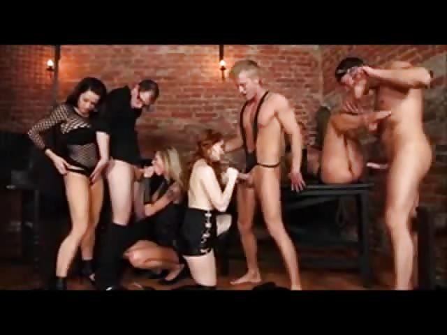 Gruppensex Bei Orgie 7