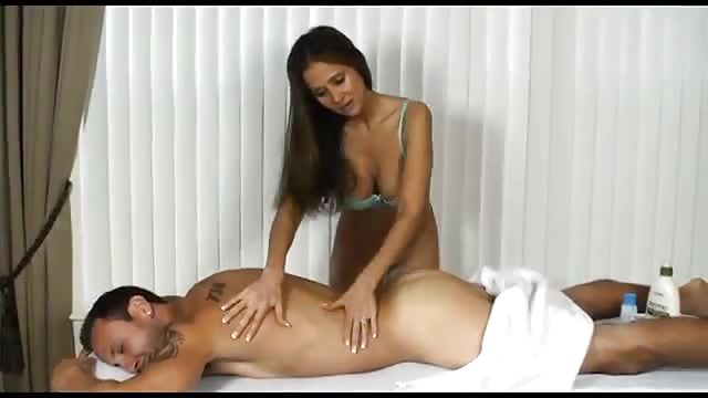 Sex am strand vor allen leuten