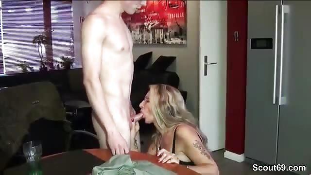 seks z prawdziwą mamuśką www pornhub nastolatka