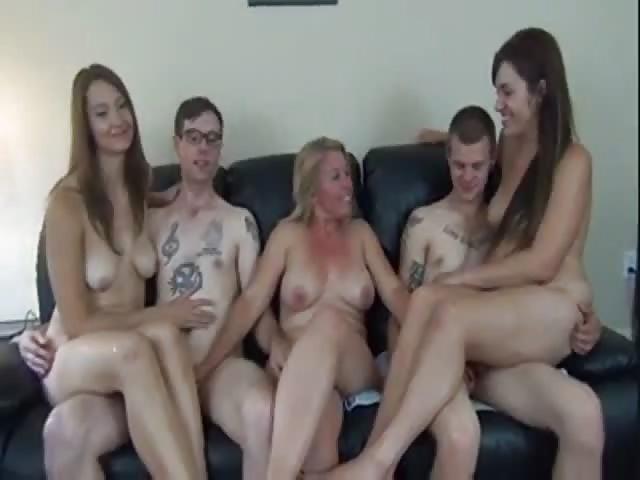 Groupe d'amateurs en orgie