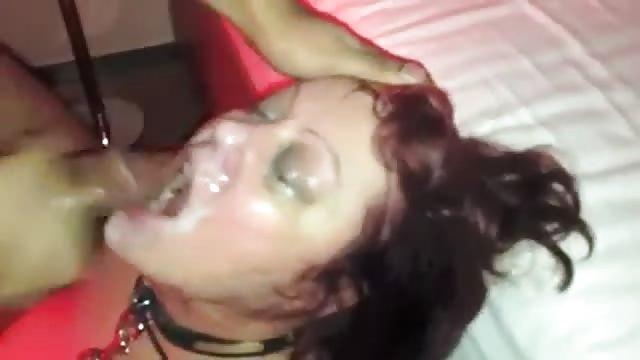 Sexy Celebrity Geht Auf Die Knie Um Zu Blasen
